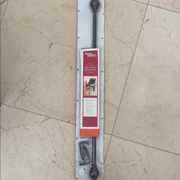 Drapery rod set 28-48 inches NWT